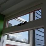 gemonteerde raamuitzetter